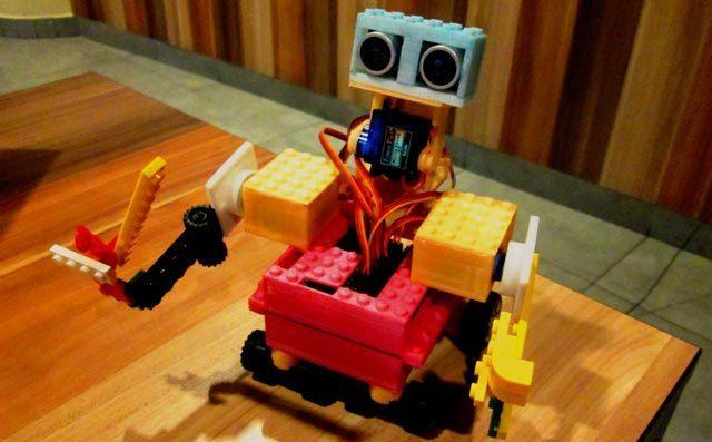 乐高机器人编程培养学生创造力