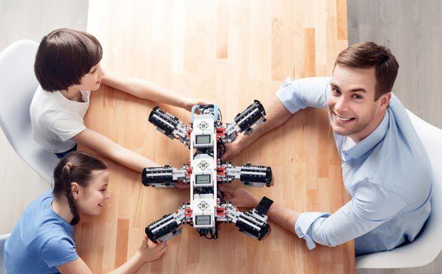 机器人教育报名与加盟,首选考虑奇咔咔!