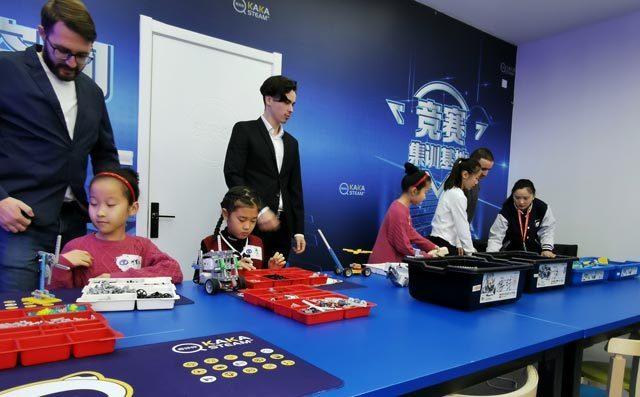 奇咔咔儿童机器人编程竞赛
