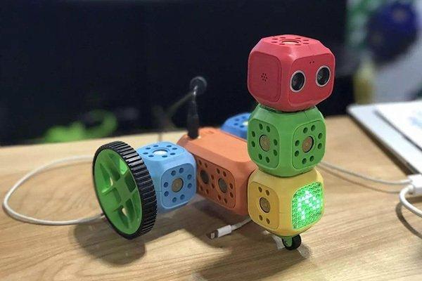 奇咔咔攀枝花机器人加盟店铺发展管理好不好